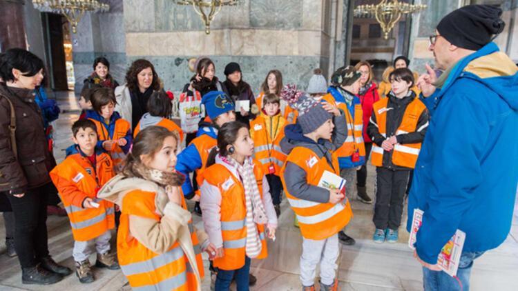 Çocuklar İstanbul'un sırlarının peşine düşüyor