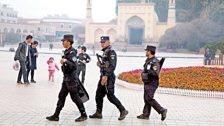 Uygurlara baskı belgeleri