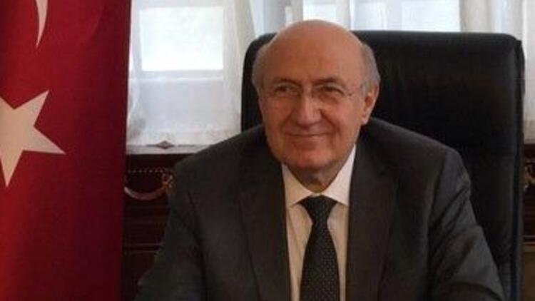 Dr. Mehmet Emin Arat kimdir?