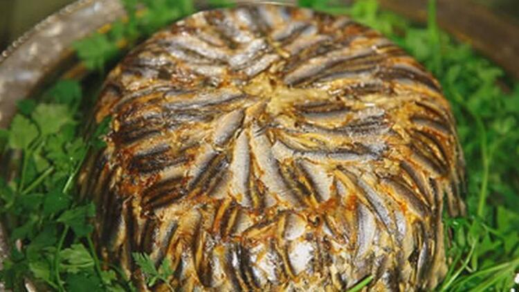 Güveçte hamsili pilav nasıl yapılır? İşte, adım adım güveçte hamsili pilav tarifi