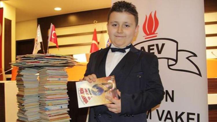 Dört ayda 1053 kitap okuyan 8 yaşındaki Mahir Atabey, Guinness Rekorlar Kitabı'nda