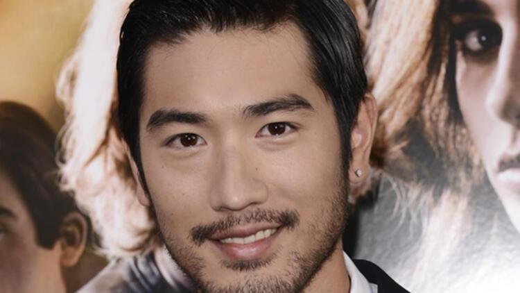 Kanadalı model Godfrey Gao çekim sırasında öldü