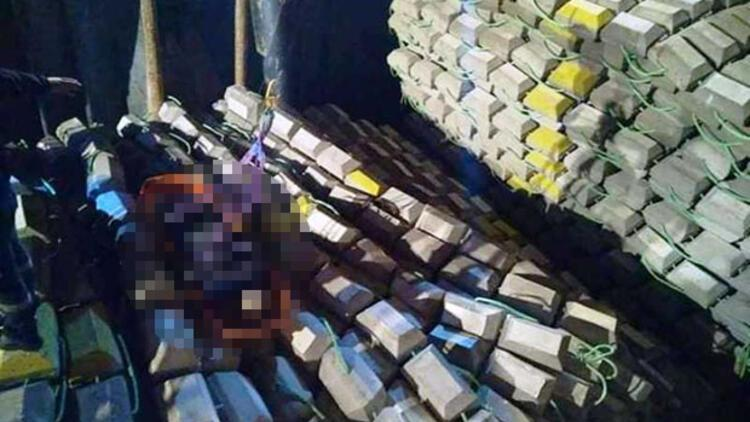 Gemide yükleme yapılırken beton blokların altında kalan makinist öldü