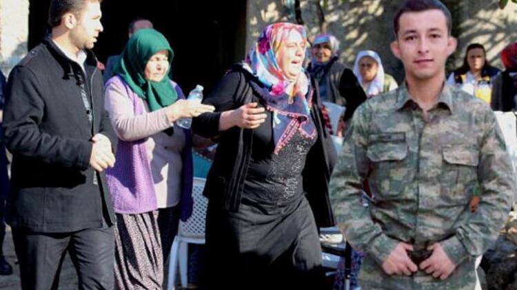 Şehit Uzman Onbaşı Bünyamin Çabuk'un Adana'daki babaevinde yas