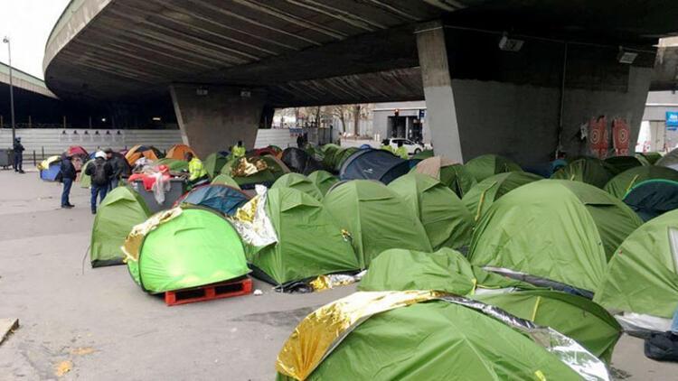 Paris'teki göçmen kampı tahliye edildi