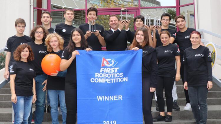 Robot yarışmasında şampiyon oldular