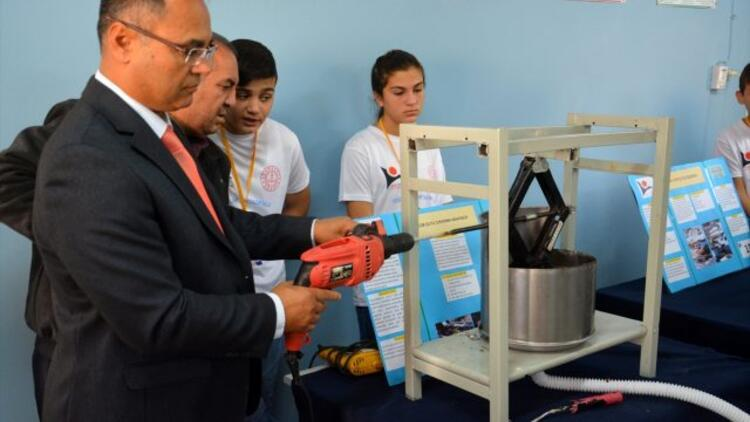 Sarayköy'de TÜBİTAK 4006 Bilim Fuarı ve Sergisi ilgi gördü
