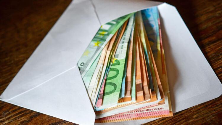 Almanların yastık altında 235 milyar Euro'su var