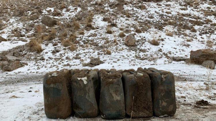 Van'da PKK'ya ağır darbe! 2 ton ele geçirildi