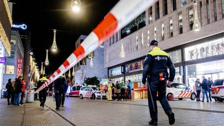 Son dakika... Hollanda'da bıçaklı saldırı: Yaralılar var