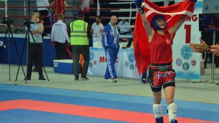 Dünya Büyükler Kick Boks Şampiyonası'nda altın madalya