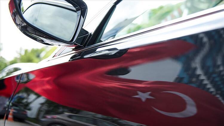 """Otomotiv endüstrisindeki dönüşümde """"yerli otomobil"""" avantajı"""