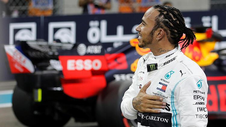 Lewis Hamilton pole pozisyonunu kaptı!
