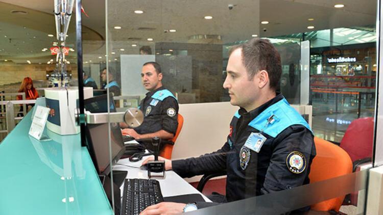 Talimat verildi, kıyafetleri değişti! Pasaport polislerine turkuaz yelek..