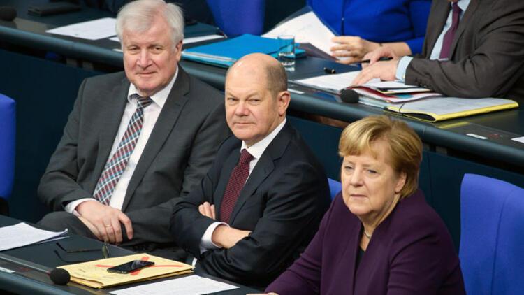 Büyük koalisyonun sonunun başlangıcı mı?