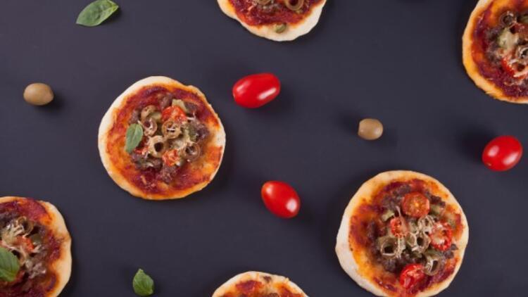 Zeytinli Mini Pizza Tarifi
