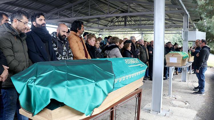Kaza kurbanı gurbetçi aileye son görev
