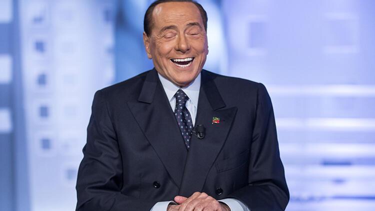 Silvio Berlusconi, İtalya'da olay oldu!