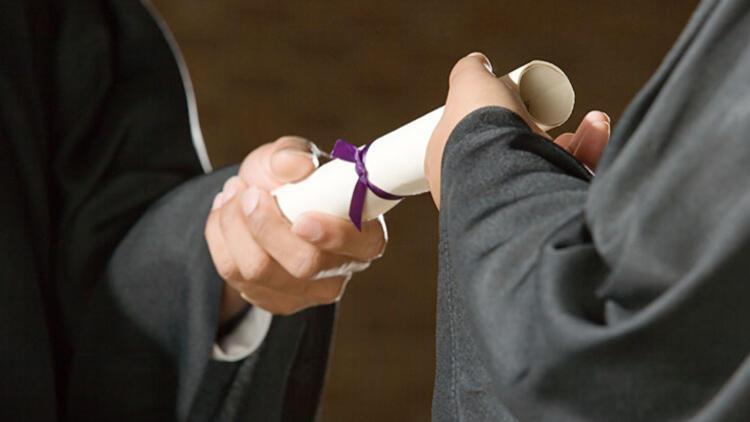 Üniversite mezunlarına bir diploma da Almanya'dan