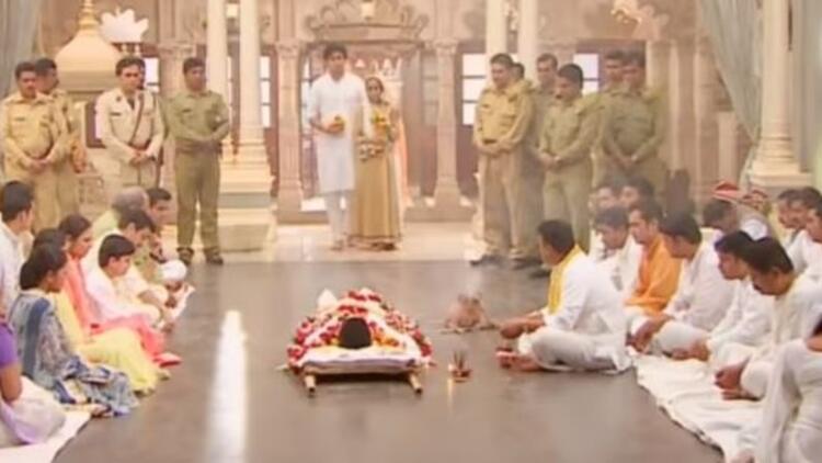 İkimizin Yerine dizisinde Shiv ne zaman öldü?