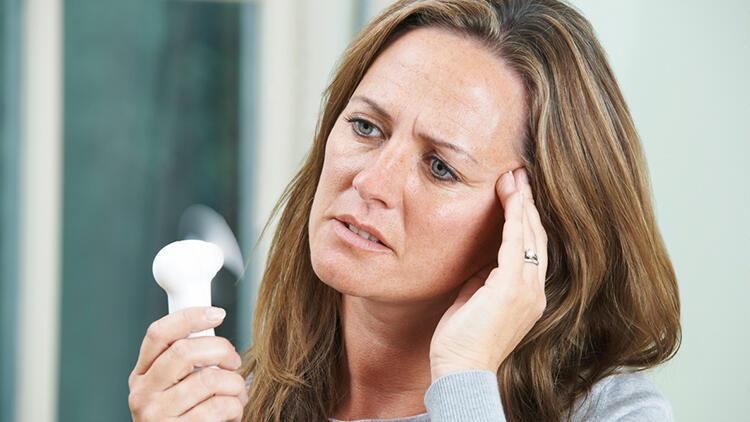 Menopoz ne demek? Menopoz yaşı nedir? Menopoz belirtileri nelerdir?