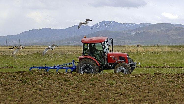 """Çiftçiye ekonomik ve verimli üretim için """"toprak analizi reçetesi"""" önerisi"""