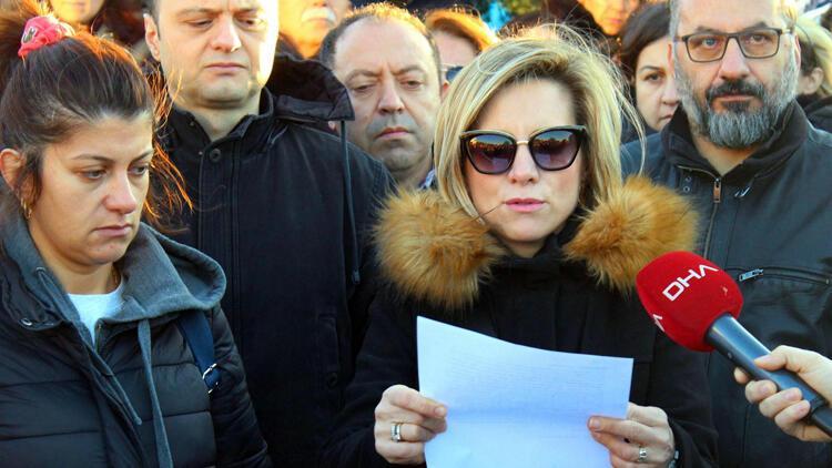 İzmir'deki kolejde kriz sürüyor... Veliler böyle tepki gösterdi