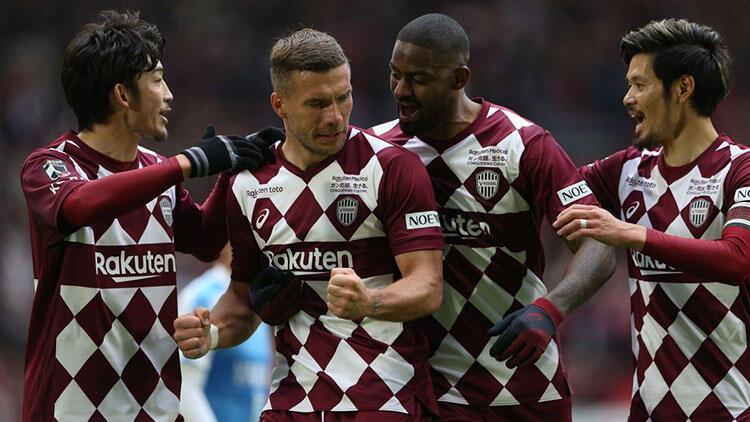 Lukas Podolski son maçta şov yaptı! Hat-trick...