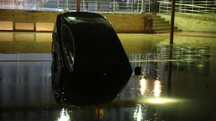 Otomobil otelin havuzuna uçtu