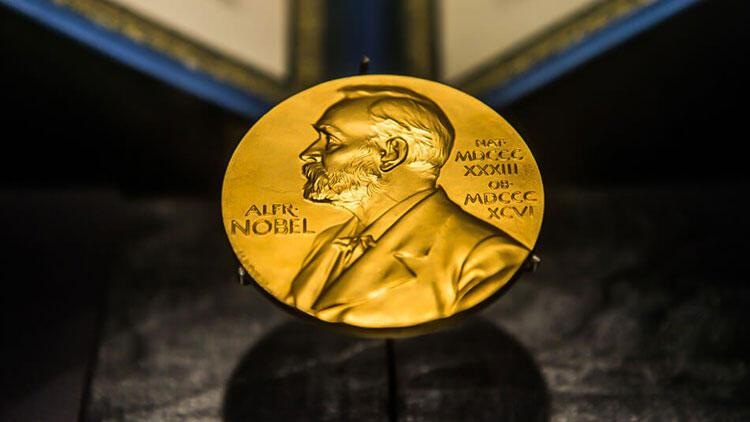 Skandal Nobel ödülüne Türkiye'den üst üste tepkiler