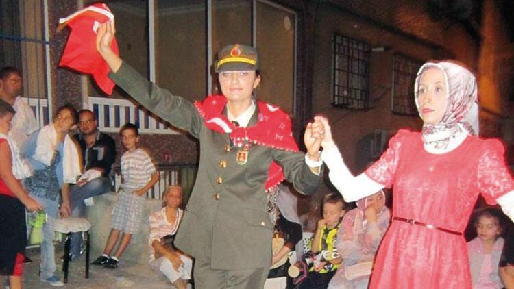Esma Çevik'in hikayesi: Hukuk kazandı askerliği seçti