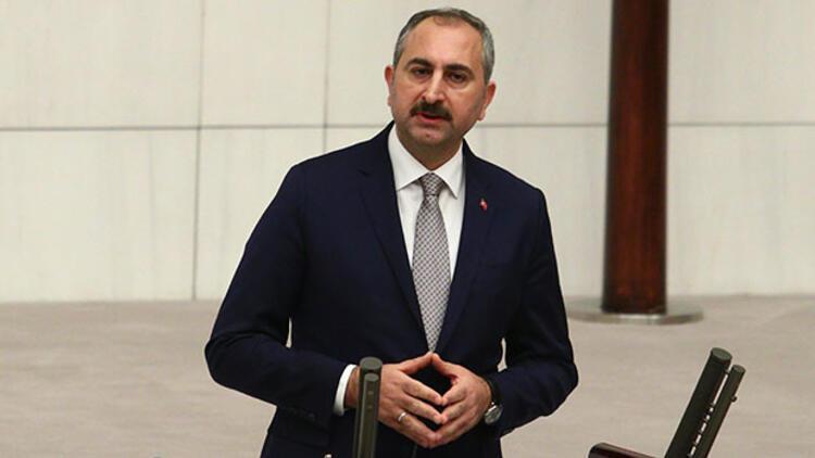 Bakan Gül: FETÖ ile mücadele eden bu yargıya kimse leke düşüremez