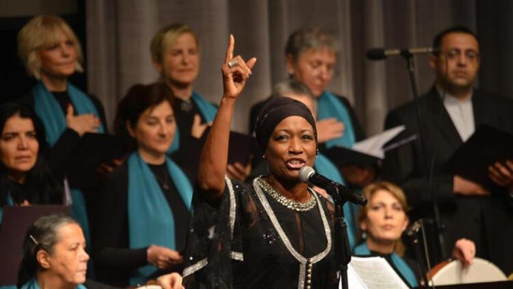 ABD'li sanatçı Della Miles Türkiye'yi tanıtmak istiyor