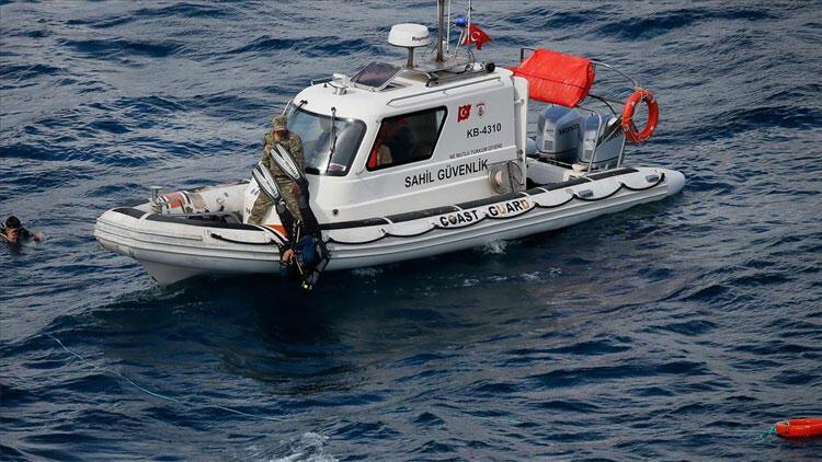 Muğla'da fırtınada teknesi kıyıya vuran balıkçının cesedi bulundu