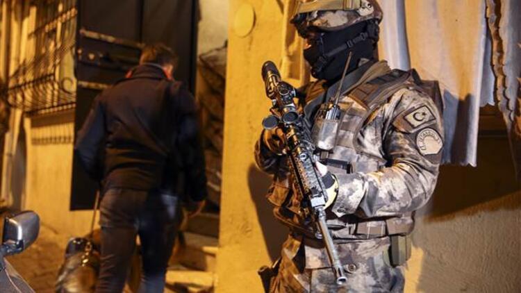 İstanbul'da uyuşturucu satıcılarına büyük operasyon! Onlarca kişi gözaltına alındı