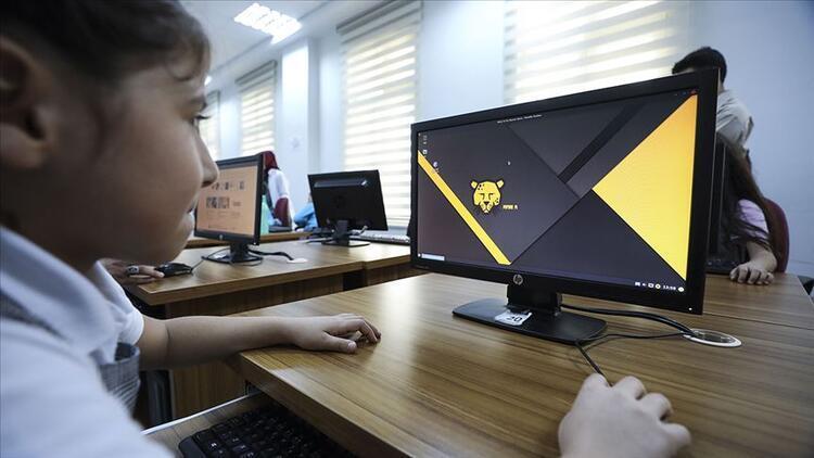 Milli işletim sistemi Pardus'un okullardaki etkileşimi artıyor
