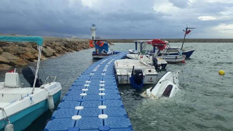Saros'ta şiddetli lodos 2 tekne batırdı