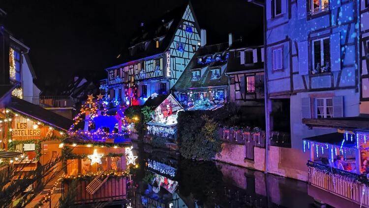 Noel ışıklarıyla süslü Colmar gezi rehberi