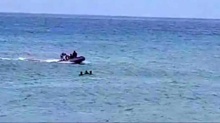 Son dakika haberler: Fırtına Akdeniz'i etkisi altına aldı... Denizde mahsur kalan bir kişi kurtarıldı