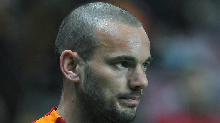 Burak Yılmaz ve Wesley Sneijder buluşuyor!