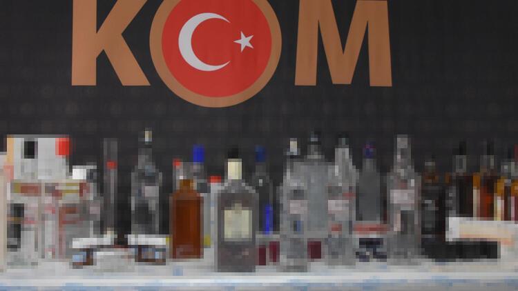 İzmir'de ele geçen 60 ton sahte içki imha edildi