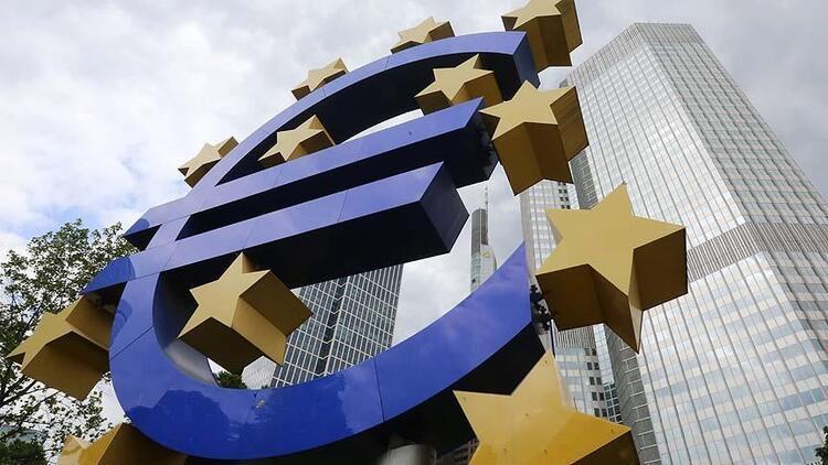 ECB: Gelecek dönemde ılımlı ekonomik büyüme bekleniyor