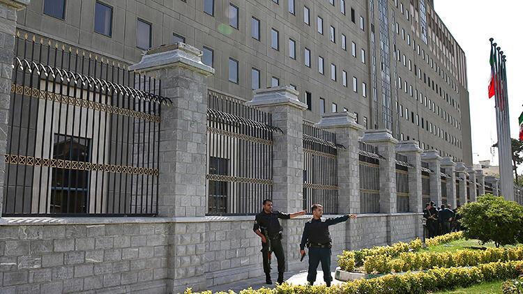 İran'da gece partisine katılan 60 kişi gözaltına alındı