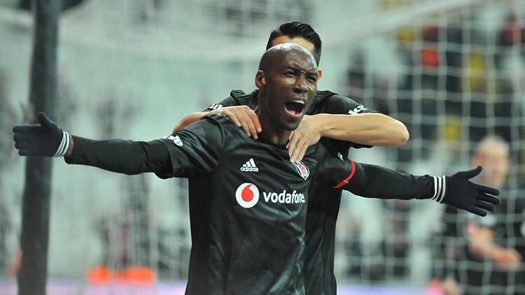 Beşiktaş'ta Elneny geldi, Atiba Hutchinson coştu
