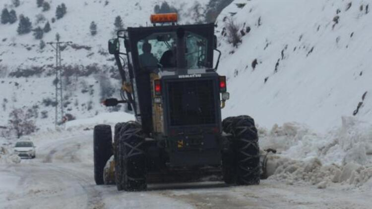 Adıyaman'da 2 köy ve 6 mezra yolu ulaşıma kapandı