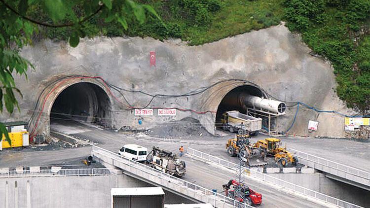 Zigana Tüneli'nin yüzde 65'i tamamlandı
