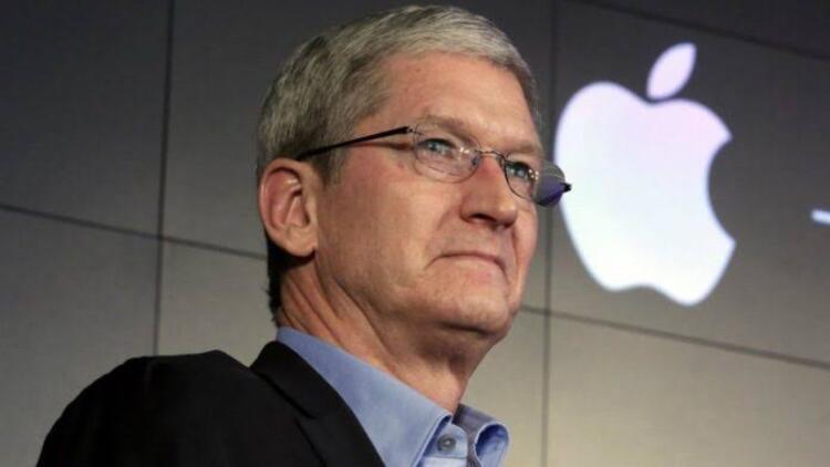 Apple'ın patronu Tim Cook'un cebine bir yılda ne kadar para giriyor?