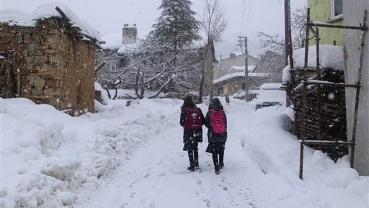 Eskipazar'da taşımalı sistemle eğitim verilen okullara kar tatili