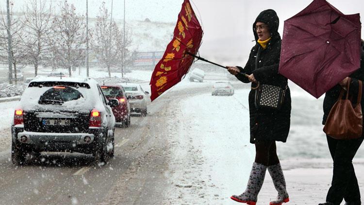 Ankara'da yarın okullar tatil mi? Ankara Valisi Vasip Şahin'den kar tatili açıklaması!