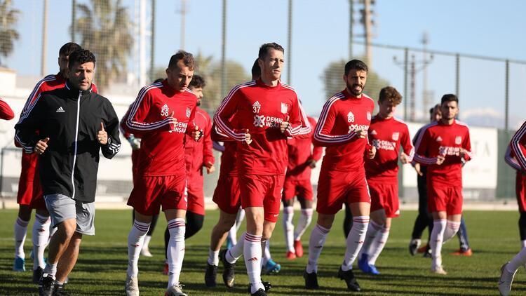 Süper Lig lideri Sivasspor, Antalya kampını tamamladı!